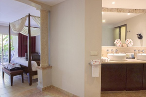 Elegance Club One Bedroom Suite with Jacuzzi - Hotel Majestic Elegance Punta Cana